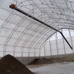 fertilizer-commodity-agriculture-conveyor-hanging-loads-fabric-building
